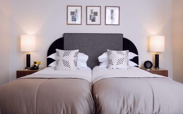 chambre blanc tsuba hotel