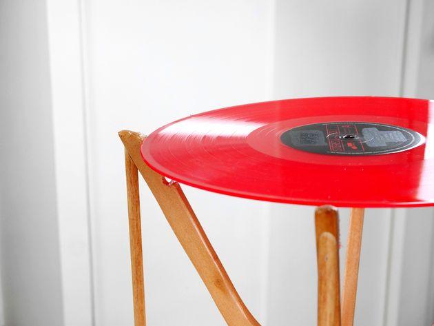 table diy avec vinyle finie