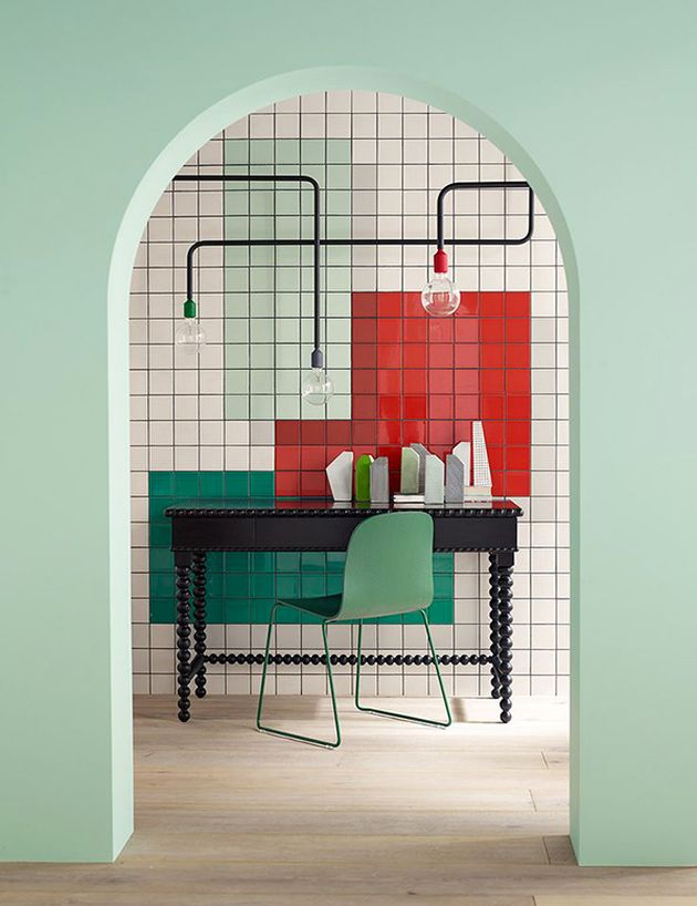 arche dans mur de couleur vert eau coin bureau graphique carrelage carré arty - blog déco - clem around the corner