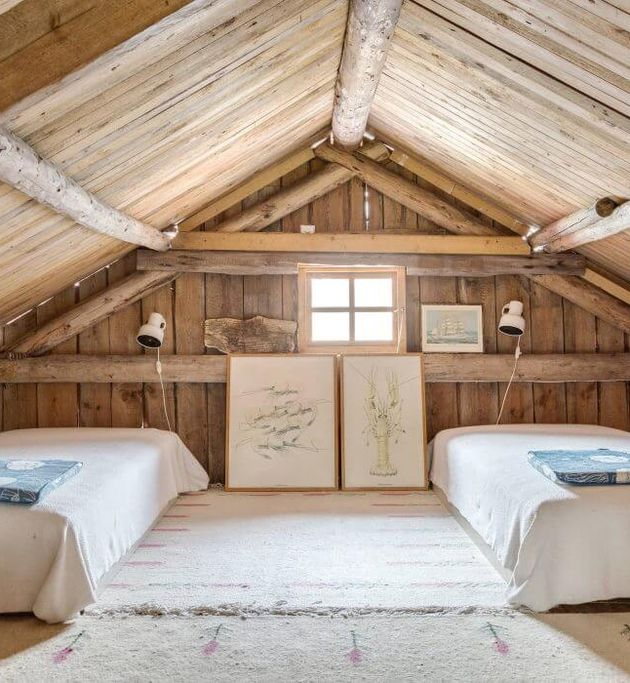 chambre en bois dans bicoque