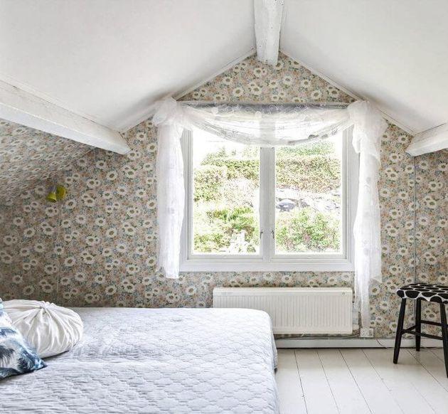 petite chambre fleurie dans bicoque