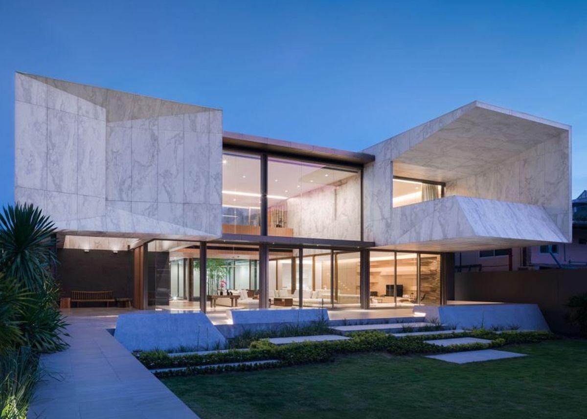 vu exterieur de maison en marbre