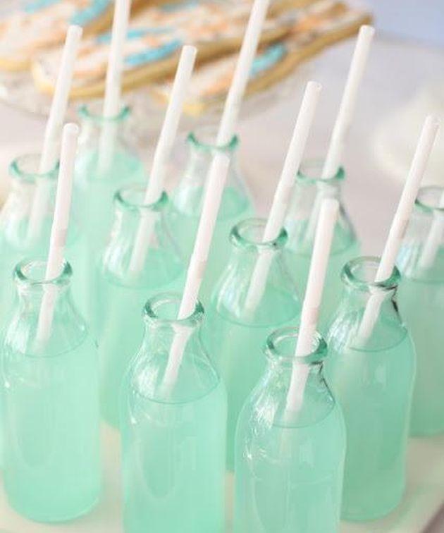 sirops et eau couleur mint