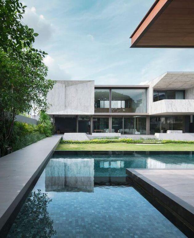 extérieur maison en marbre piscine tendance marbre