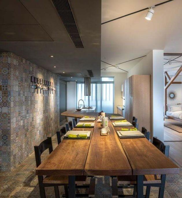 table cuisine melange de style table bois chaises mosaique