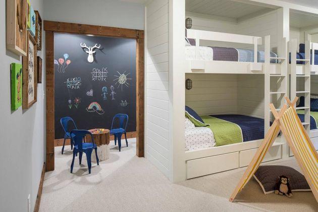 intérieur bois chambre double enfant