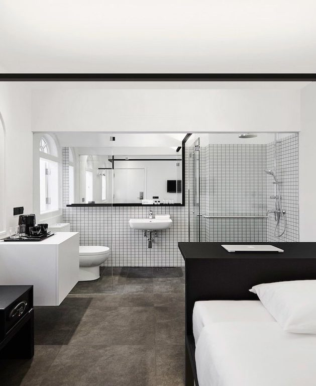 hotel mono suite parentale black and white graphique