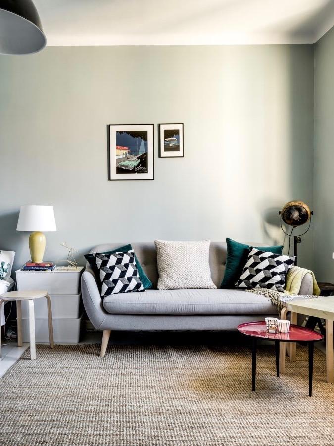 déco industrielle vintage mur vert pastel grisonnant