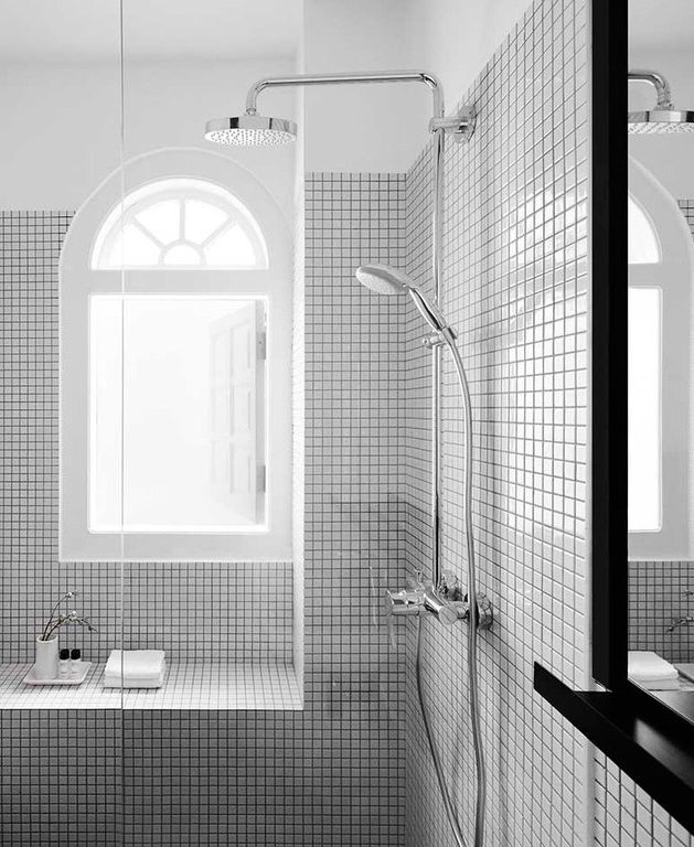 salle de bain black and white instagrammable