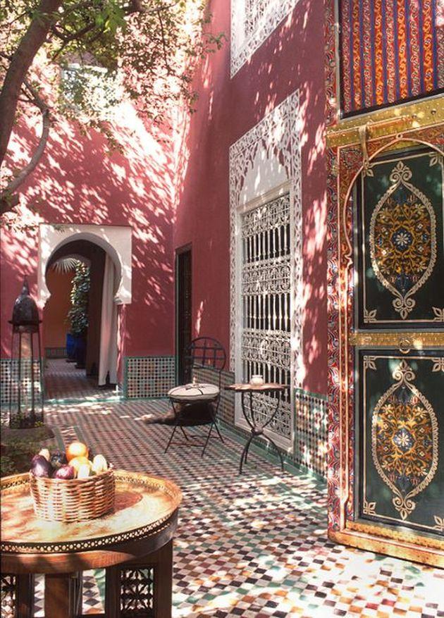 couleurs dans maison marocaine