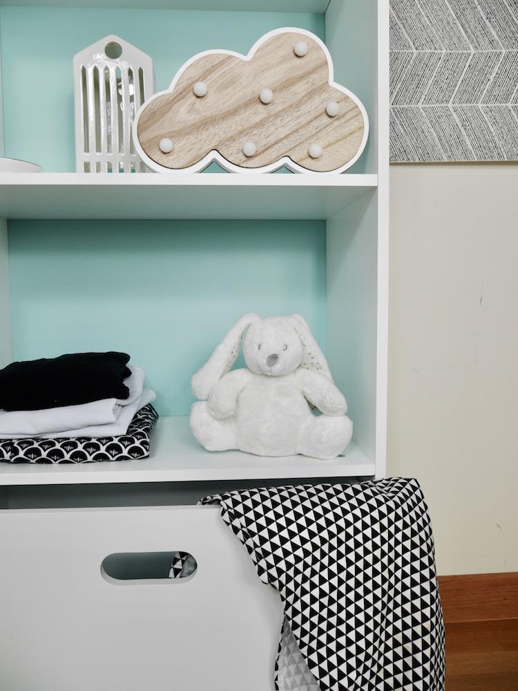 meuble enfant bébé bibliothèque en forme de maison