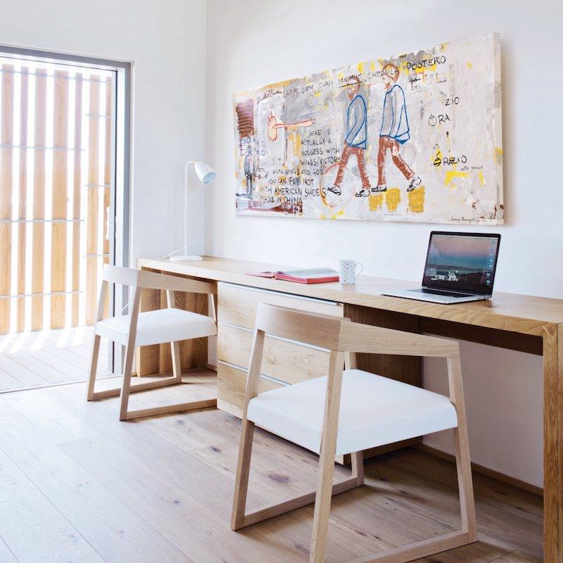 coin bureau minimaliste maison au bord de la mer