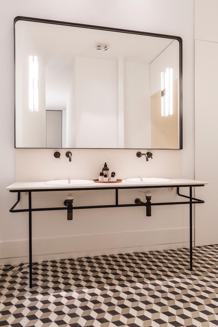 visite blog deco symétrie axiale salle de bain minimaliste