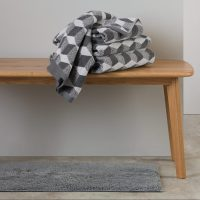 serviette toilette homme losange noir gris blanc deco idées cadeaux homme