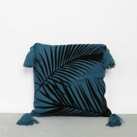 idées cadeaux ado coussin palmier bleu canard indigo