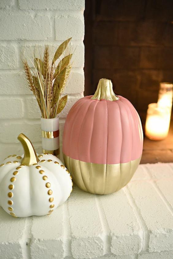 decorer une citrouille or et rose pour automne cheminee
