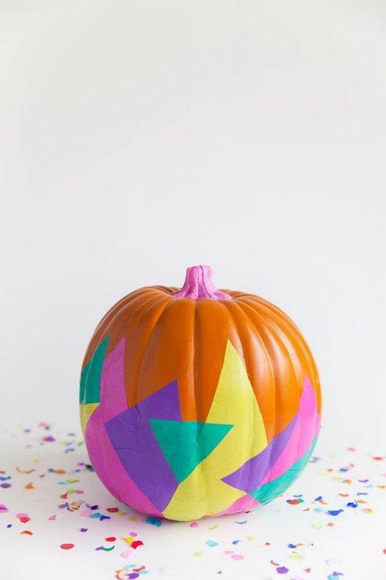 decorer une citrouille colore halloween souriant