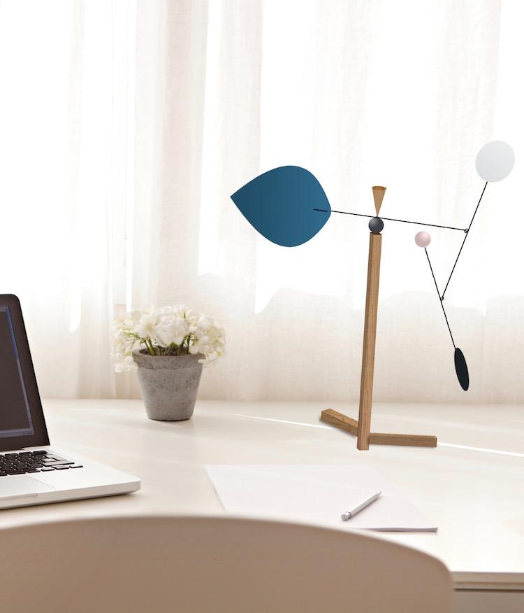 virvoltan mobile pour adulte sur pied de bureau