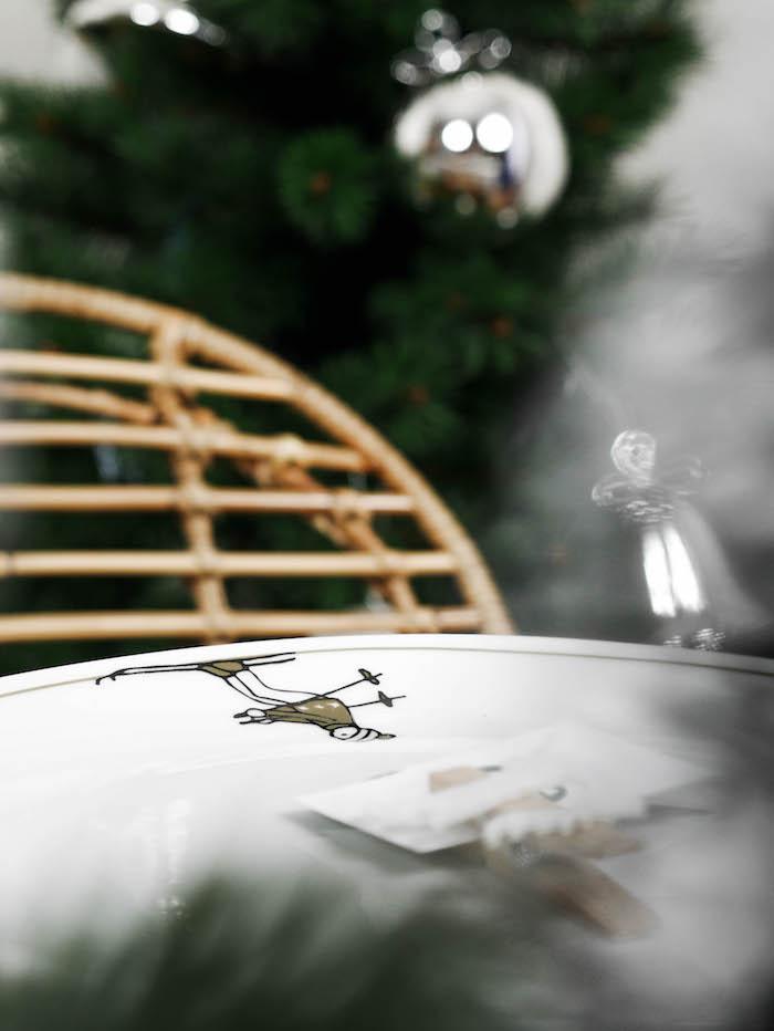 collection art de la table assiette skieur ski doré et vert moderne