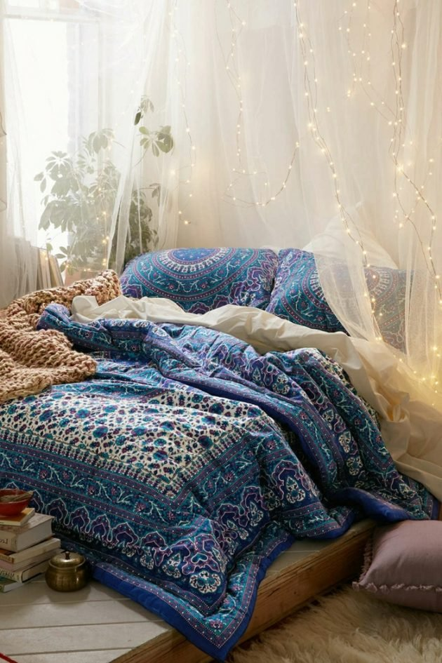 pantone 2018 ultra violet style gypsy folk bleu canard lit