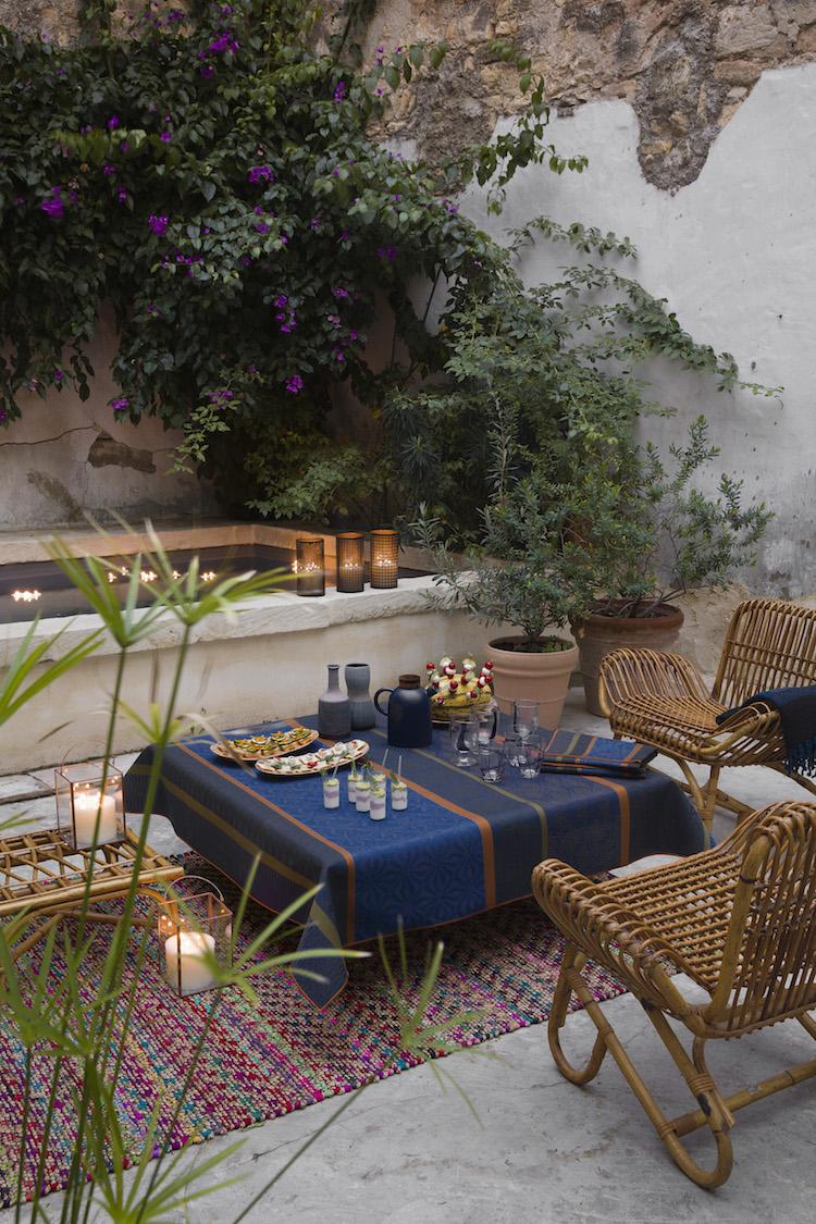 nappe wax blue jacquard francais terrasse patio rotin oriental moderne deco
