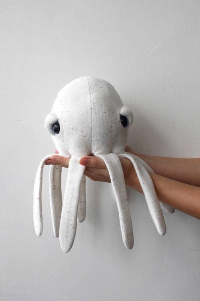 maisonobjet paris 2018 pieuvre tendances deco octopus big stuffed beige gris couleurs animaux de la mer animal marin peluche doudou jouet enfant mignon