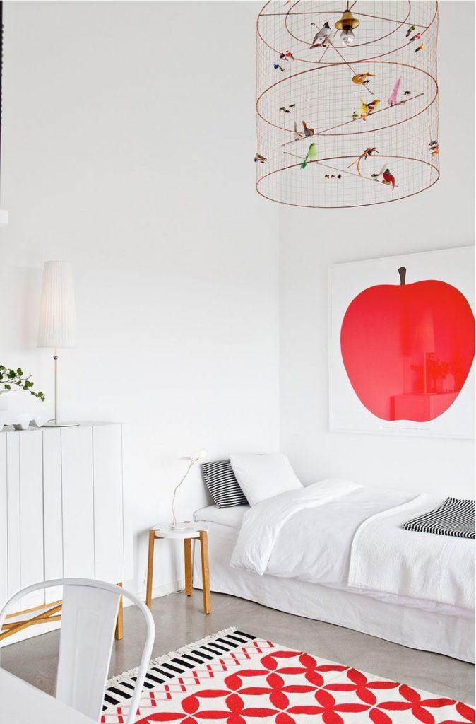 suspension lampe voliere oiseau en cage chambre enfant affiche pomme rouge