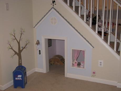 20 astuces pour aménager un dessous d'escalier cabane enfant