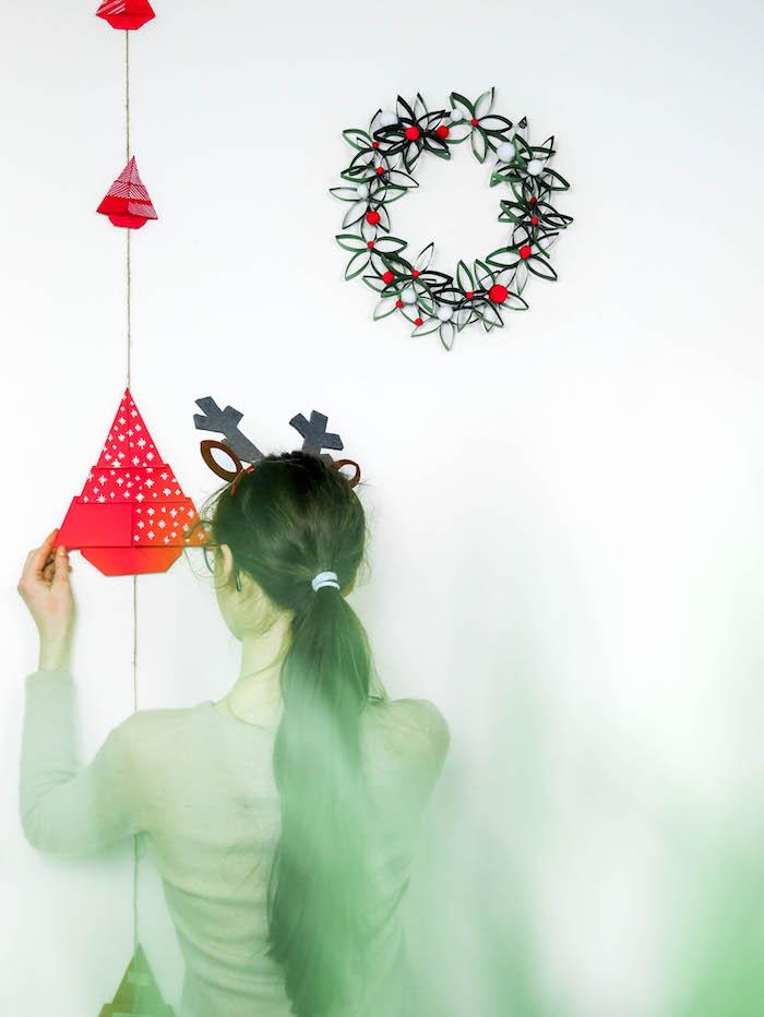 tuto papier découpage pliage enfant déco de Noël facile à fabriquer guirlande - blog déco - clem around the corner