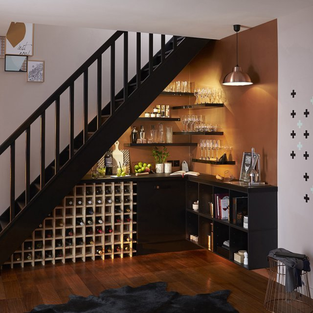 20 astuces pour am nager un dessous d 39 escalier clematc. Black Bedroom Furniture Sets. Home Design Ideas