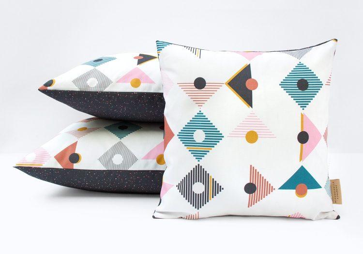 coussin design tangram mix motif geometrique triangle mademoiselle dimanche