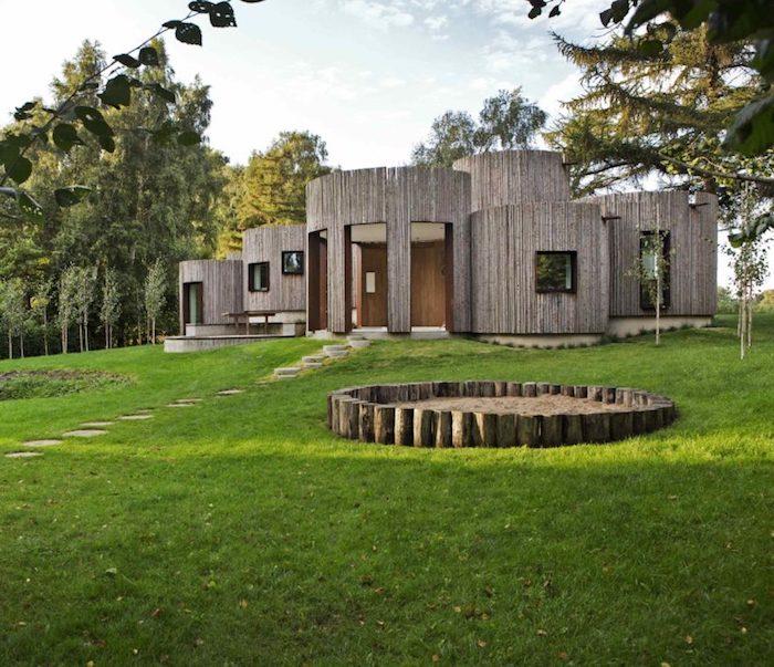 maison cylindrique vue ensemble architecture