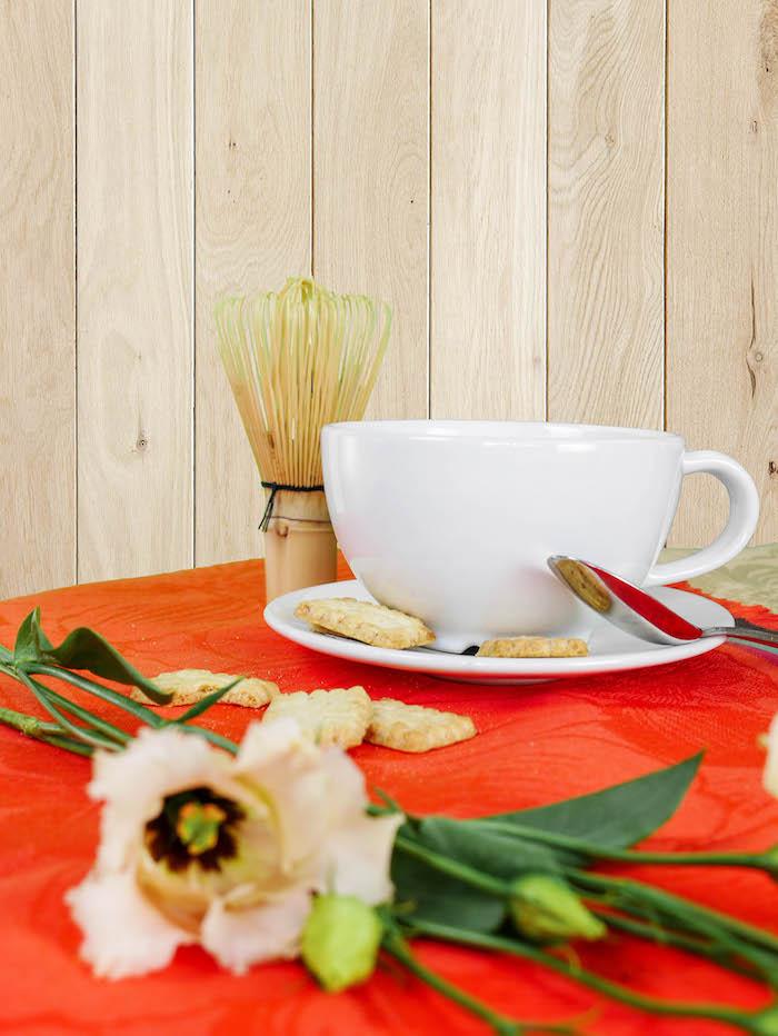 comment preparer le the matcha recette fouet recette feuilles tasse biscuits