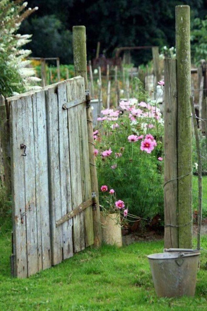 deco bucolique jardin potager fleurs bois