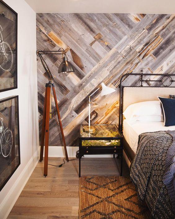 couvrir mur de bois idee planche de bois upcycling recyclage decoration tete de lit chambre
