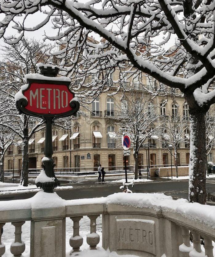 metro paris under the snow image paris sous la neige