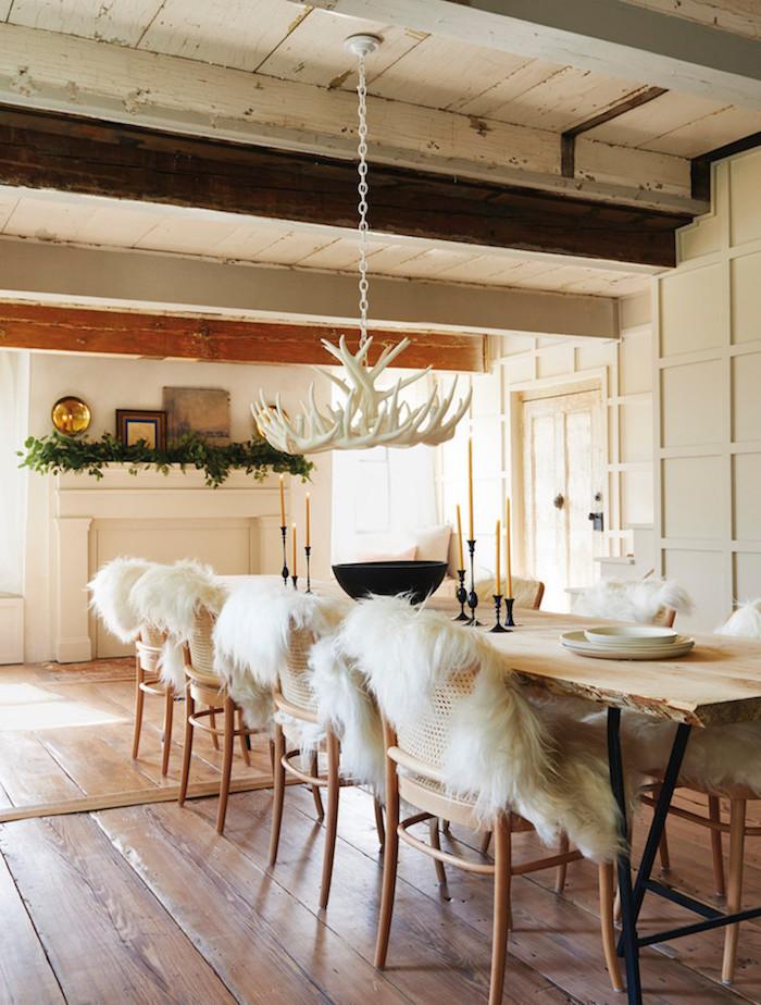ancienne ferme rénovée salle a manger scandinave rustique