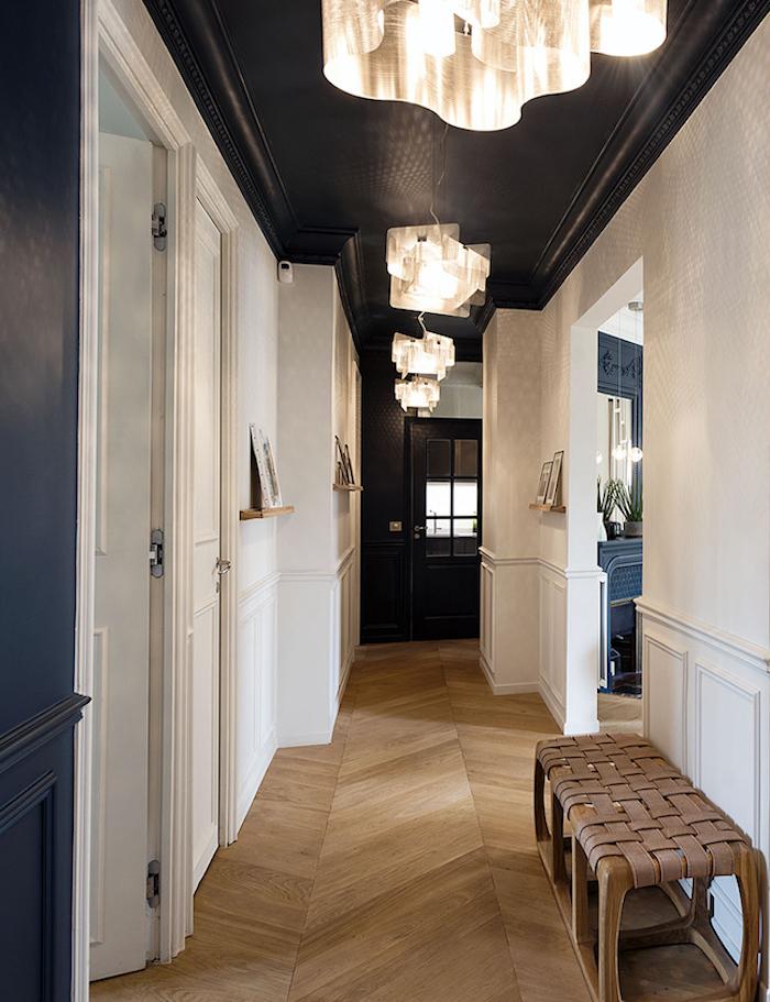 appartement vincennes deco decoration paris blog couloir plafond noir bleu parquet