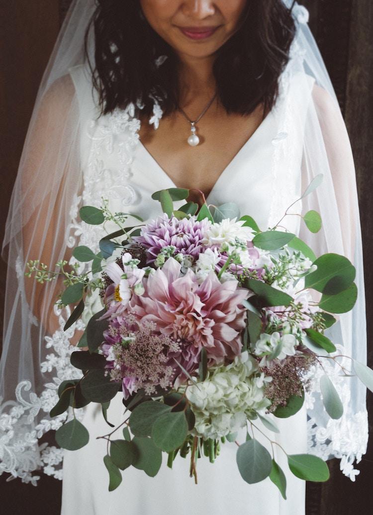 astuces pour conserver un bouquet de fleurs mariage