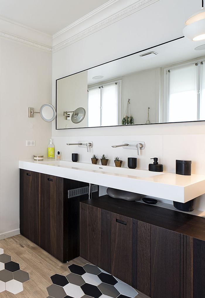 blog deco appartement vincennes paris decoration clemaroundthecorner salle de bain baignoire lavabo vasque parquet incrustation