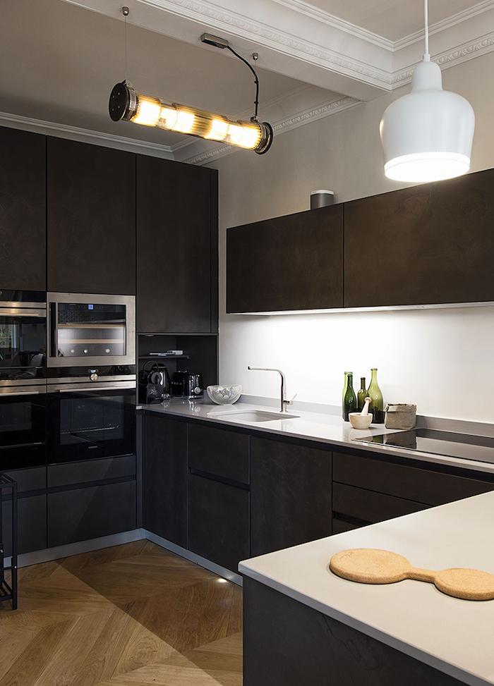 blog deco clemaroundthecorner cuisine noir sombre parquet appartement vincennes