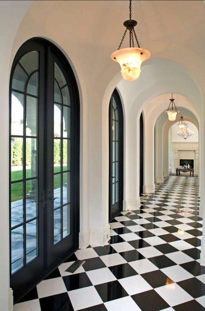 carrelage damier couloir noir et blanc brillant