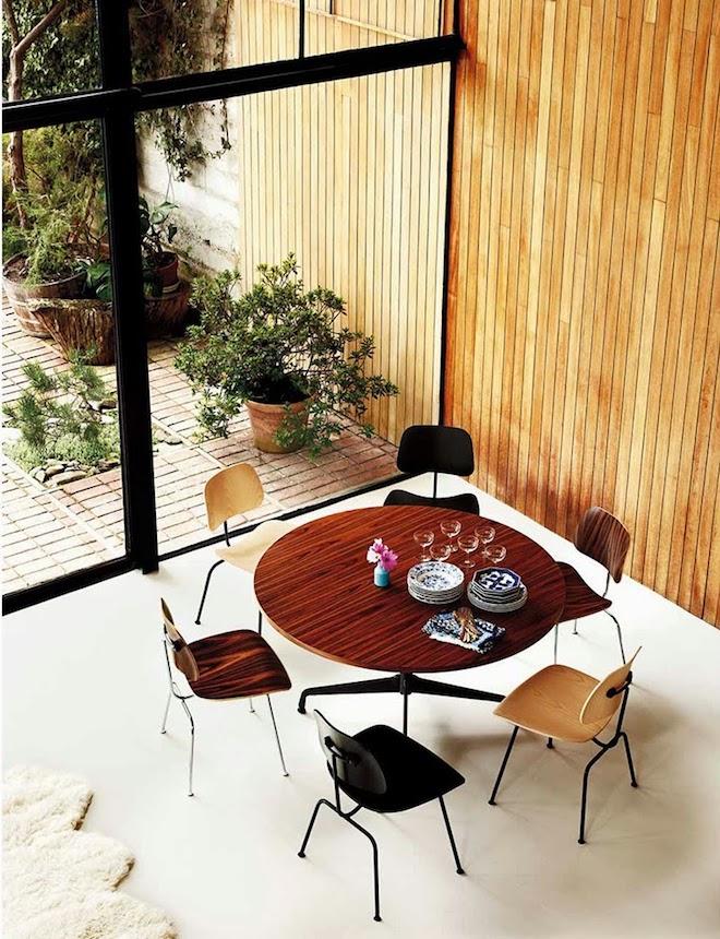 maison eames chaise bois plywood salle a manger retro