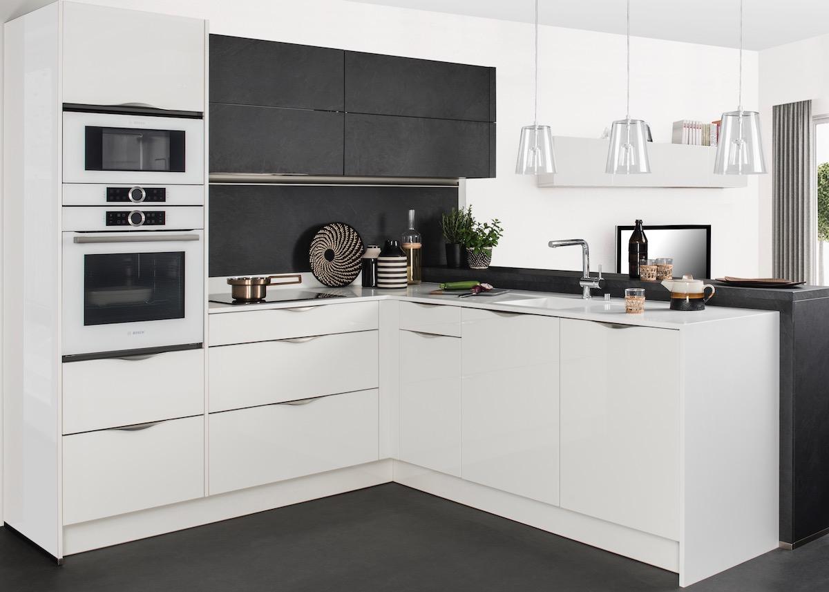 darty cuisine noire blanche moderne ardoise ouverte americaine