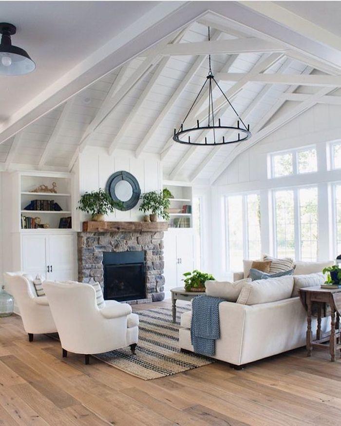 style rustique cheminee pierre apparentes canape tapis
