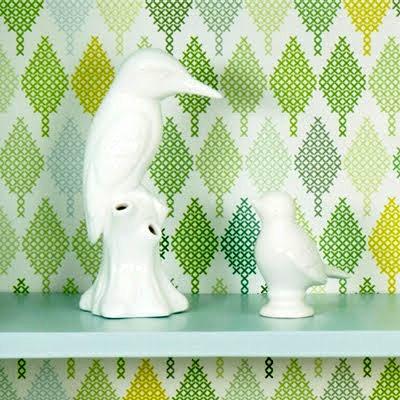 papier peitn trompe l'oeil effet feuille déco point de croix statuette toucan peroquet oiseau