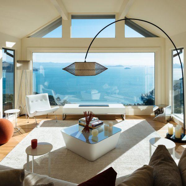 villa californienne vue sur ocean salon lampe coussins