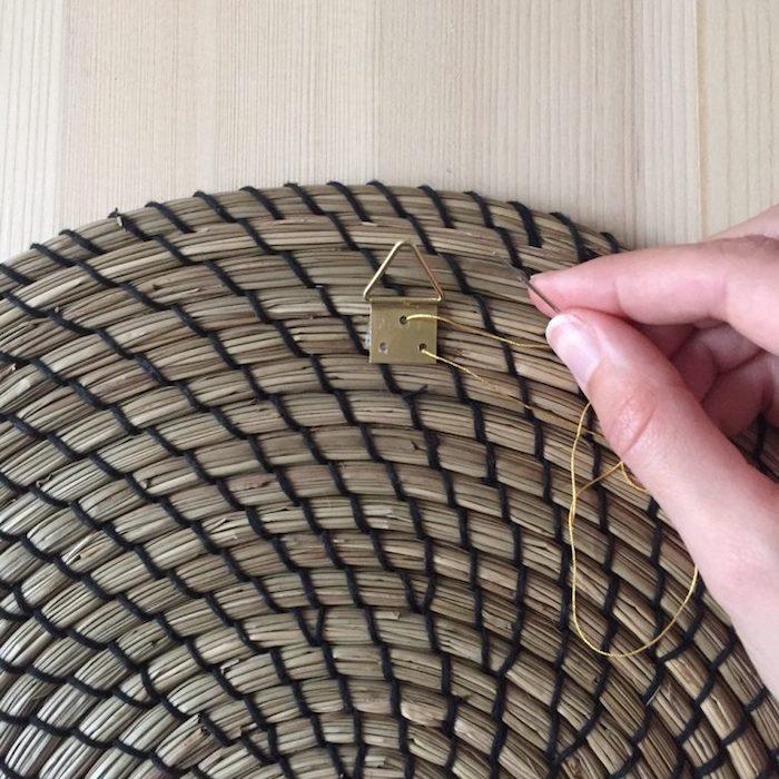 juju hat diy coiffe plumes deco boheme attache deco mur tutoriel fil set de table