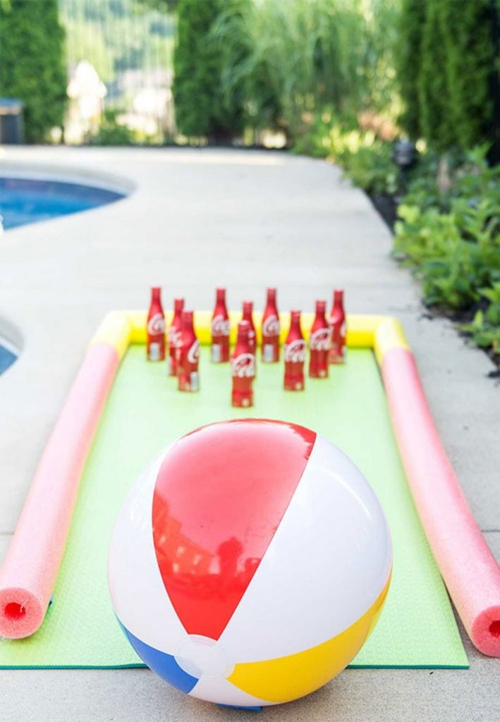 bowling diy jeu jardin ballon soiree piscine party pool