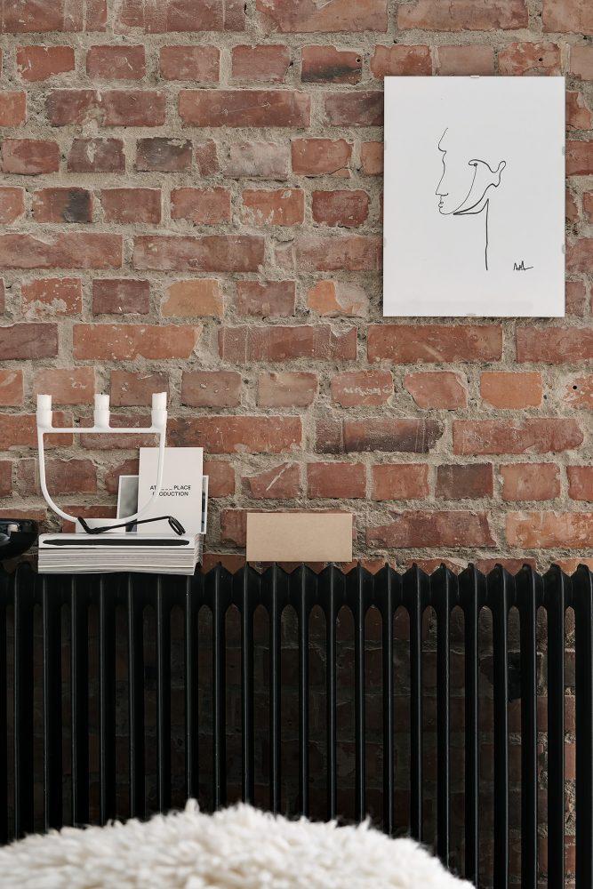decoration hipster loft mur de briquettes radiateur noir mat